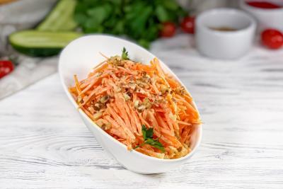 Морковь с грецким орехом