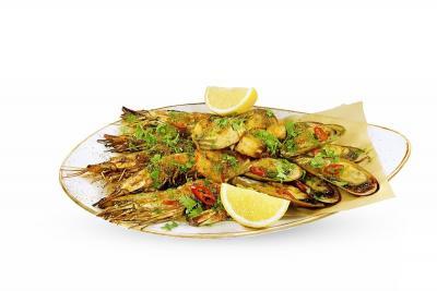Плато из морепродуктов на гриле