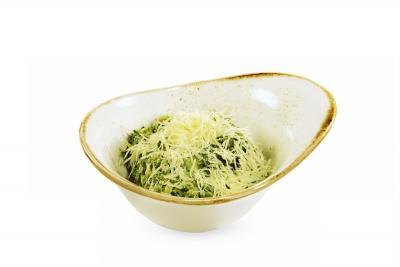 Шпинат в сливочном соусе с сыром пармезан
