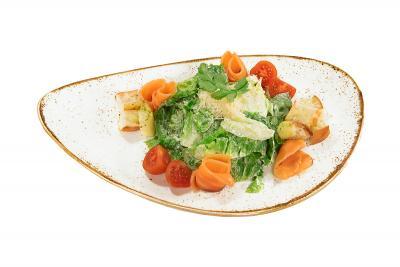 Салат Цезарь с подкопченным лососем